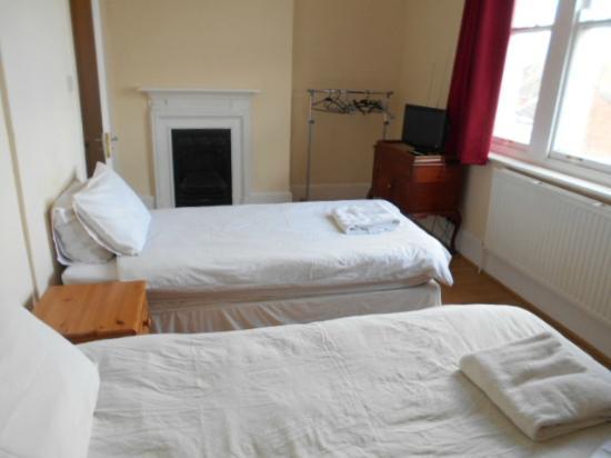 King William IV Hotel & Bar: ベッド