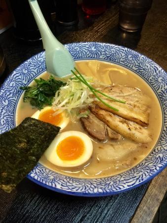 Menyaaoyama: tonkotsu shoyu ramen