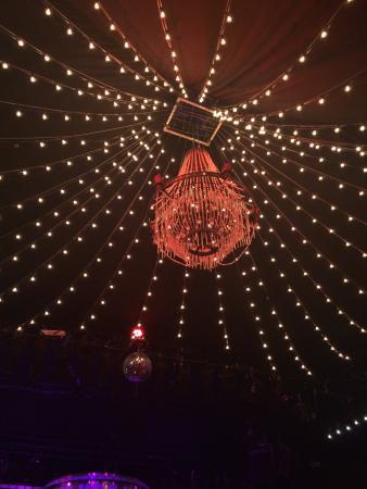 Tipi am Kanzleramt: Super god oplevelse. Vi var inde og se Cabaret i går aftes og selvom det var en dyr fornøjelse,