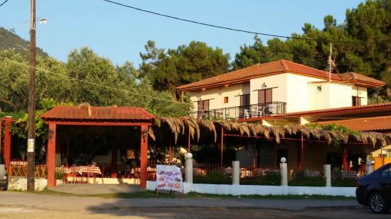 Pachis Beach: Restaurant