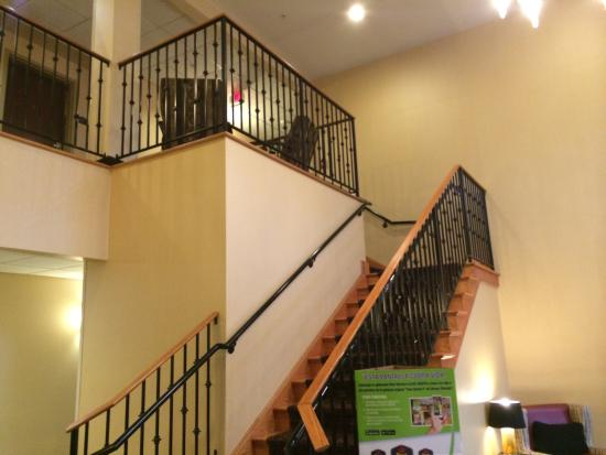 BEST WESTERN PLUS New Cumberland Inn & Suites: Some pictures from around