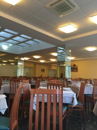 Hotel delle Rose Restaurant: il ristorante all'ora di pranzo