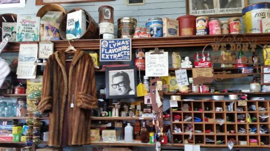 Clarkrange, TN: in the store