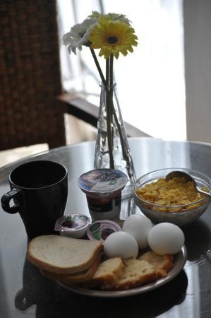 Sea Side Hotel: Breakfast