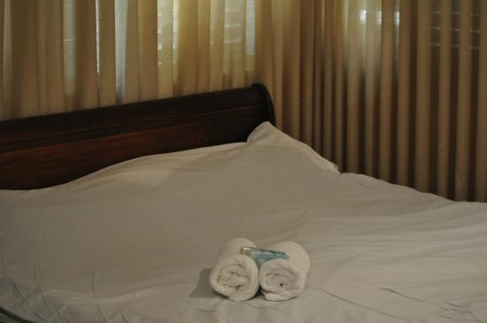 Sea Side Hotel: Bed