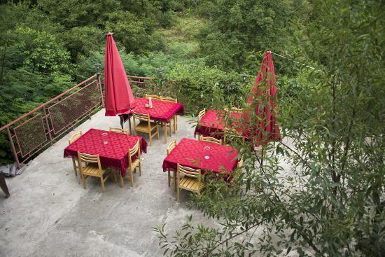 Guest House Artemi: Terrace of Bar/restaurant