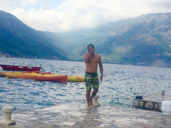 Kayak Montenegro: Nice and lovely with life vest and water tight holder for your valuables, great prices of 10€ pe