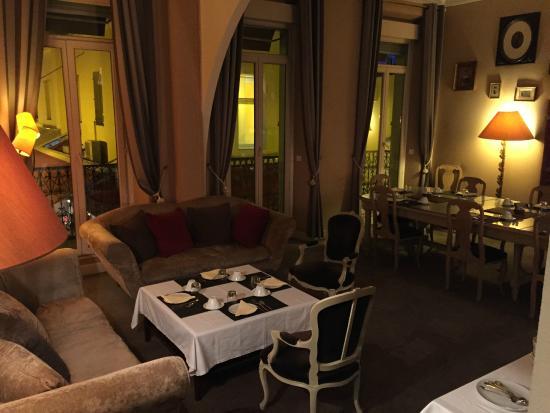 Hotel La Villa Tosca: la sala colazioni molto caratteristica