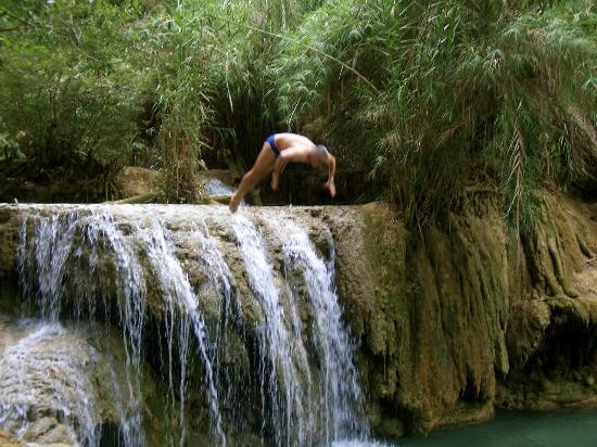 Tad Thong Waterfall : Con questo caldo u tuffo ci vuole