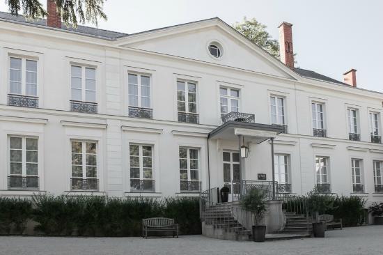 Hôtel Restaurant Les Avisés : Façade