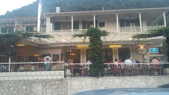 Pavlos: Taverna Pavlos