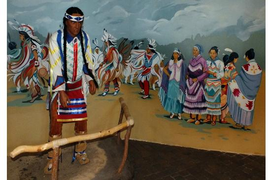 Rainy River, Canada: The Ojibwe perfroming a ceremonyial in this model