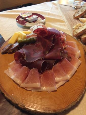 Hotel Restaurant Tenne: Das Ambiente & Essen sind hervorragend.
