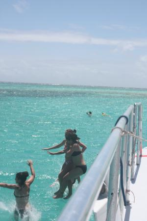 Simpson Bay, St. Maarten-St. Martin: Fun on Lambada trip to Prickly Pear