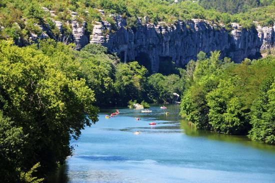 Cano dans les d fil s de ruoms photo de office de - Office de tourisme de vallon pont d arc ...