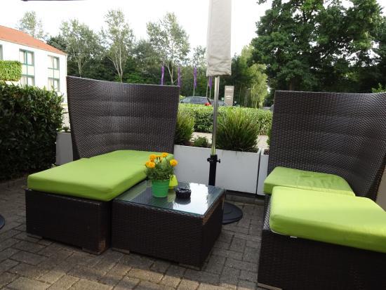 Mercure Hotel Krefeld: Le bar exterieur
