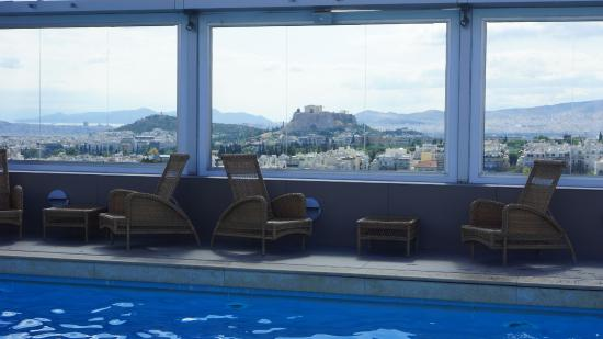 Divani Caravel Hotel: A View of The Acropolis from the Rooftop Pool