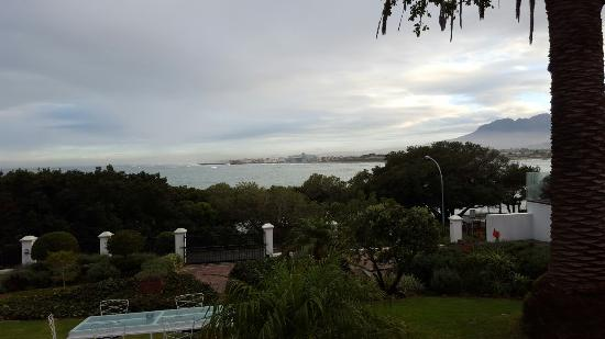 Gordon's Bay, Sudáfrica: Views from around Manor on the Bay