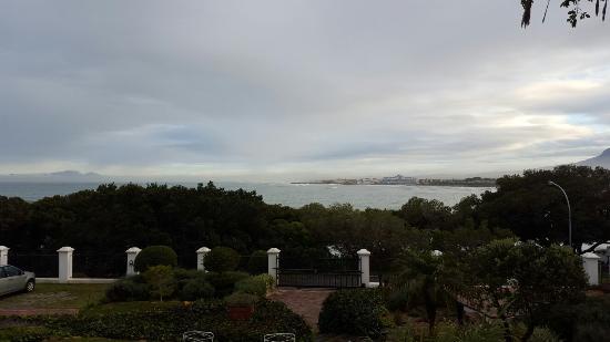 Gordon's Bay, Sydafrika: Views from around Manor on the Bay
