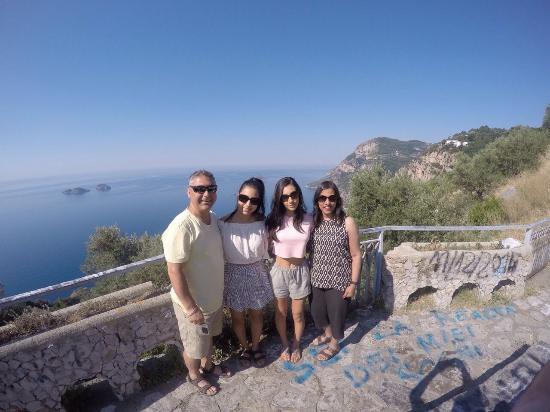 Scialone Limousines: Amalfi Coast-Tony, Yvonne, Melissa & Natalie-3 July 2015 (from Melbourne, Australia)