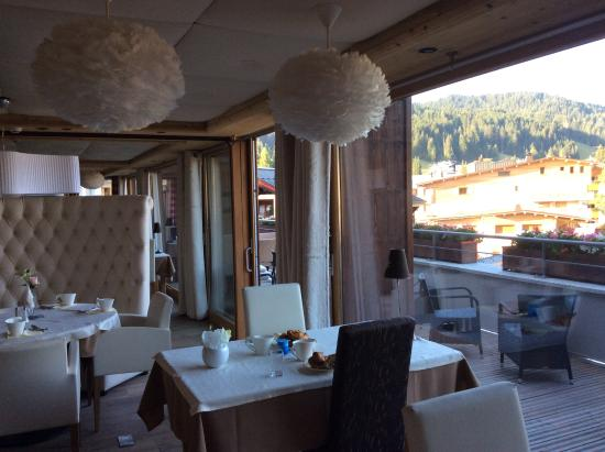 Restaurant Picture Of ChaletHotel Alpina Les Gets TripAdvisor - Hotel alpina les gets