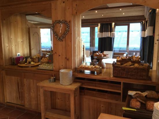 Chalet-Hotel Alpina: Buffet