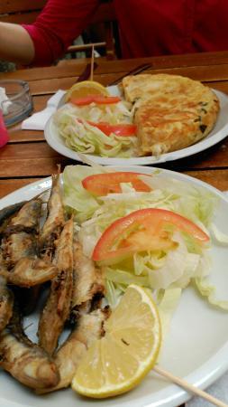 El Aleph : Tortilla de Algas y queso y sardinillas.
