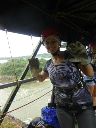 Abseiling in the Iguacu Canyon: adrenalina