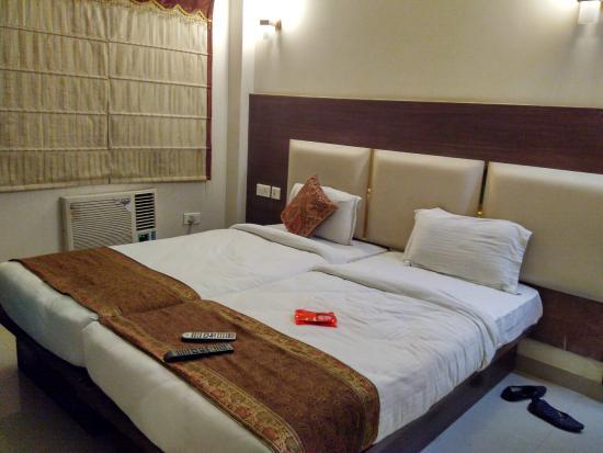 Hotel Maniram Palace : Room