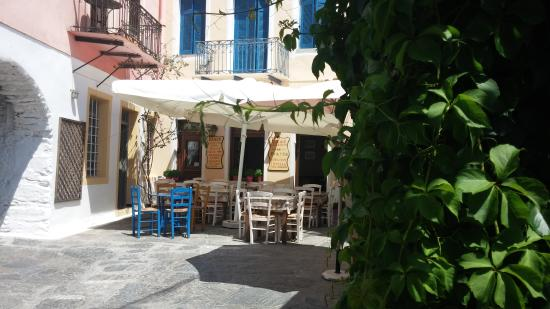I Piatsa: The restaurant at lunch time
