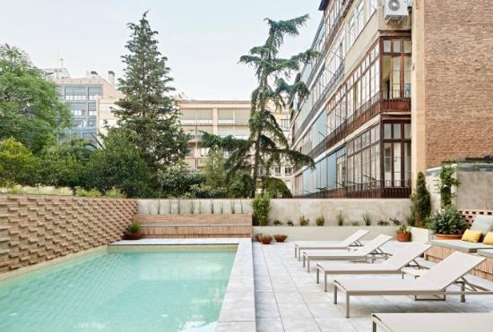 Alexandra Barcelona A DoubleTree By Hilton: Nueva piscina exterior & terraza