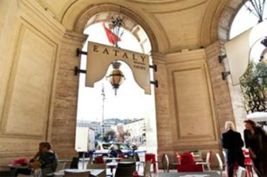 Photo of Italian Restaurant Eataly Repubblica at Piazza Della Repubblica 41, Rome 00185, Italy