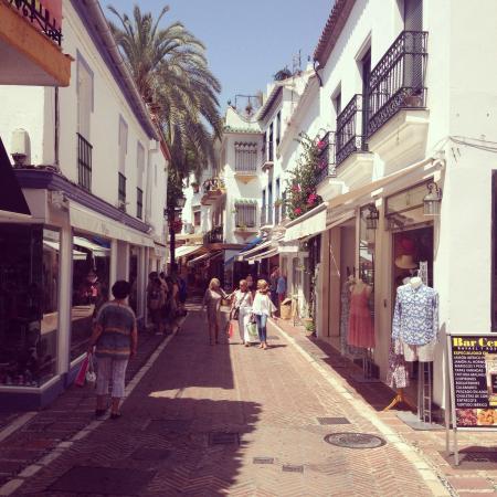 Club La Riviera Crown Resort: photo1.jpg