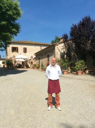 Il Canto del Sole: Luciano, our fabulous host