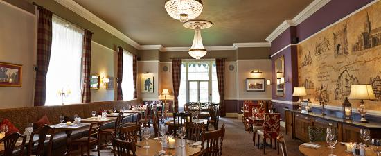 The Royal: Enjoy full service in the restaurant