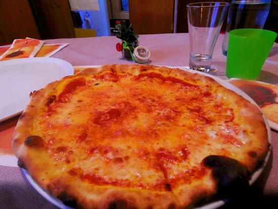 Ristorante Pizzeria la Perla: ピザはうまい