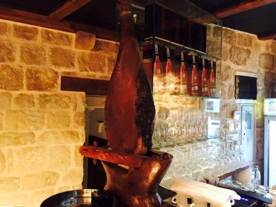 Vintage Wine Bar Hvar