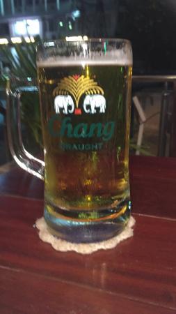 The Admiral Bar & Grill: Fantastisk fish & chips av dory store gode pint med øl god dressing hyggelig betjening med gode