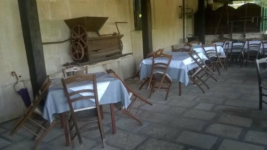 Agriturismo dei Panzanari: tavoli esterni