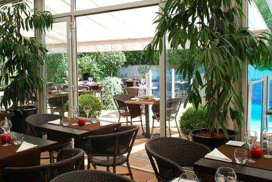 Amarante Cannes Hotel: Breakfast Room