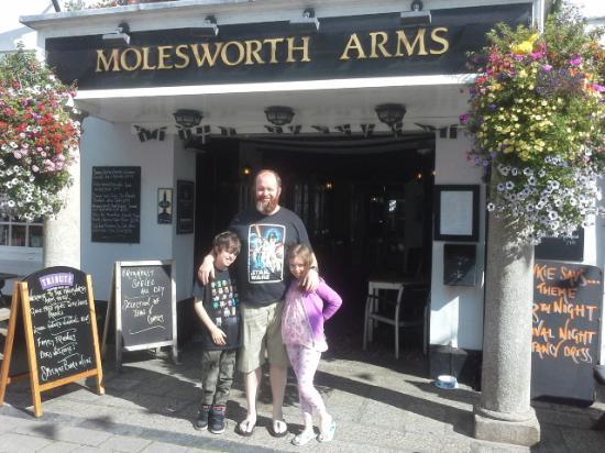 Molesworth Arms Hotel: Posing
