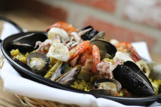 Azu Restaurant & Bar : Seafood Paella
