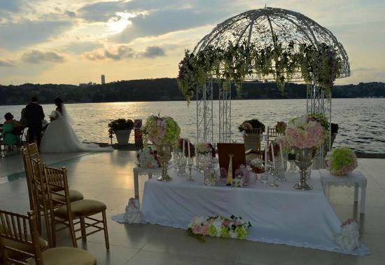 Ajia Hotel: Wedding on the Bosphorus