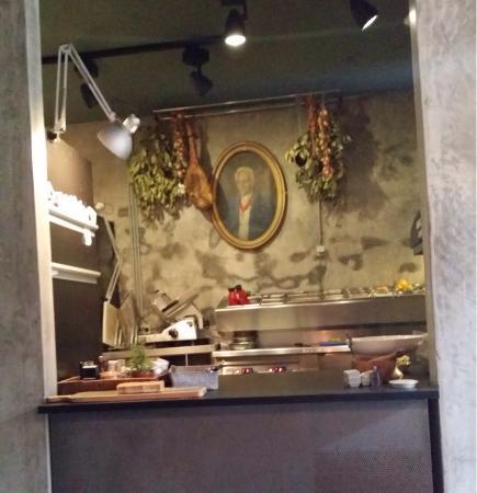 Vitela de laf es na brasa picture of cantina 32 porto - Cocina exterior ...