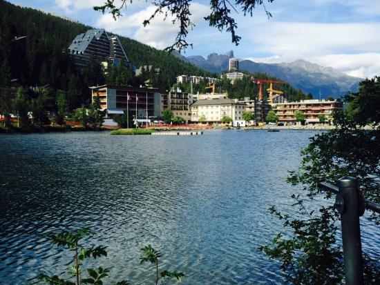 Au Greni : Face au lac Grenon, restaurant et terrasse, top qualité des produits frais et réalisés avec créa