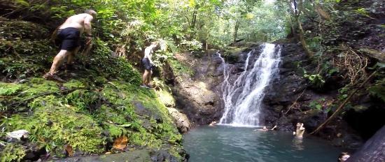 Drake Bay, Kosta Rika: Waterfall