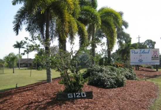 KOA Fort Myers / Pine Island: Entrance