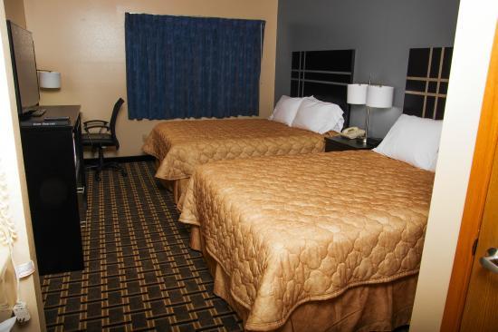 Super 8 by Wyndham Orange City: 2  Queen Bed Orange City IA