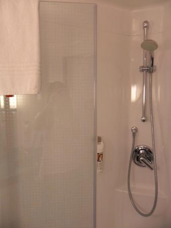 Shower cabin - Picture of Ibis Berlin City Potsdamer Platz, Berlin ...