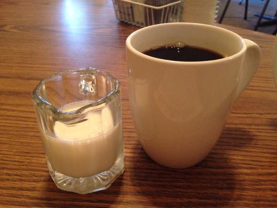 B S Coffee Shop: Great hole in the wall!  Loved the biscuits and gravy!  They have two kinda of gravy - sausage o